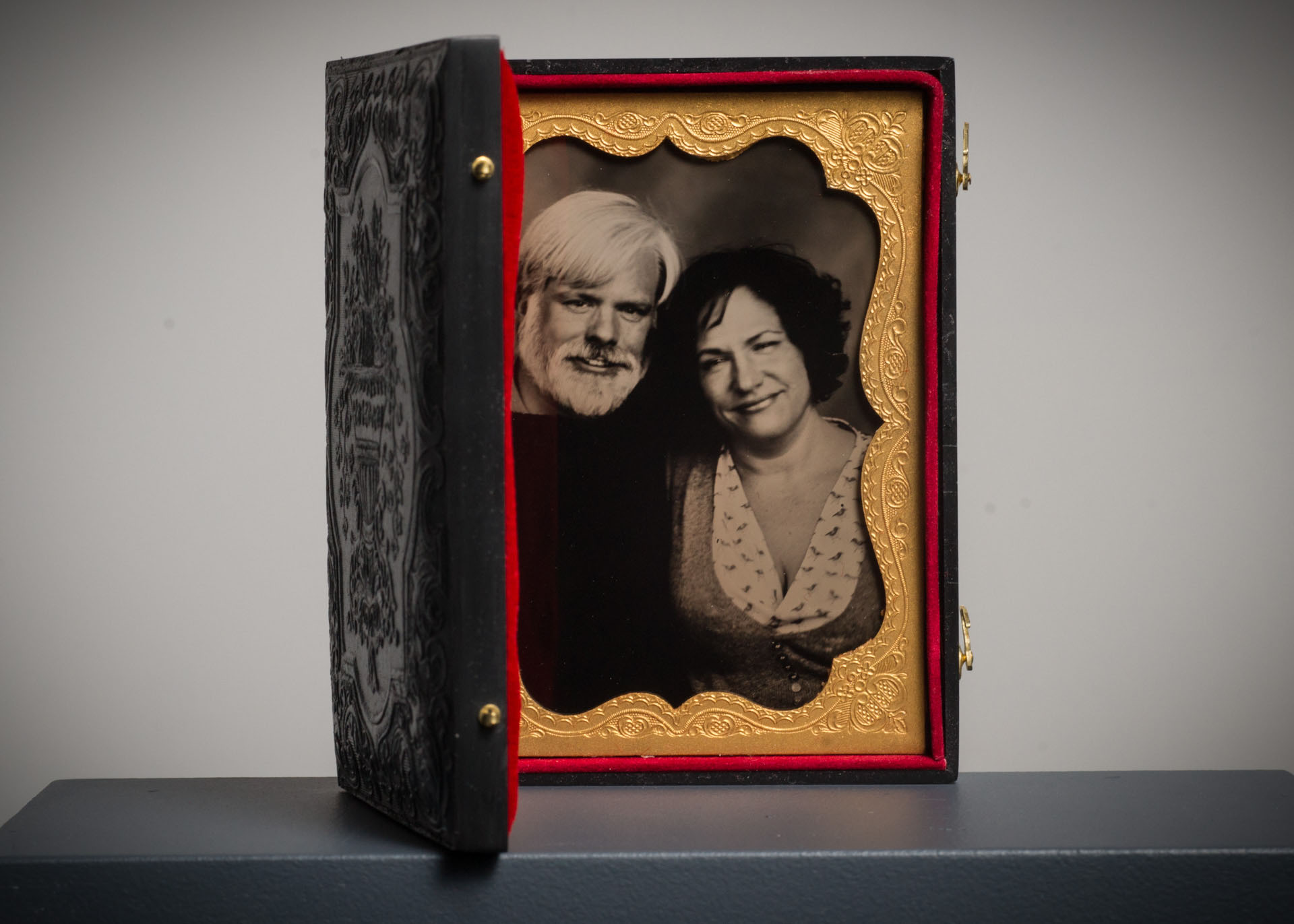 Glens Falls Art®. A Mobile Tintype Studio located between Lake George and Saratoga, NY. Creating wet plate collodion images in Glens Falls, NY and the Adirondacks.